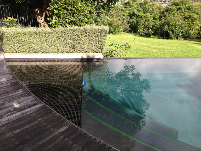 Infinity edge swimming pool design for Pool design company radom